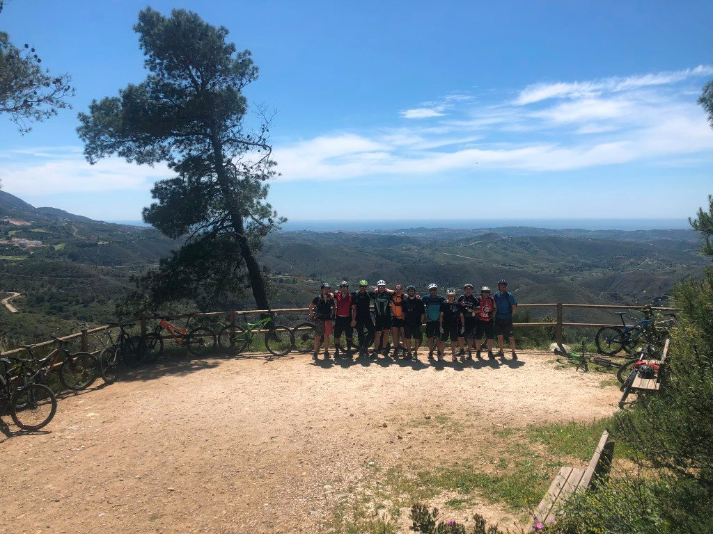 Coín Woods group photo viewpoint