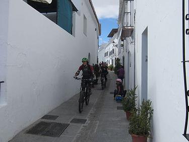 Alhaurin El Grande narrow street