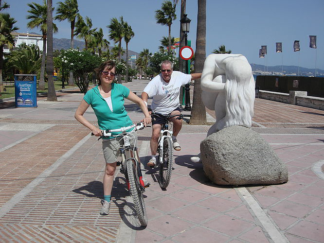 Puerto Banus Original statue on the seafront in Marbella