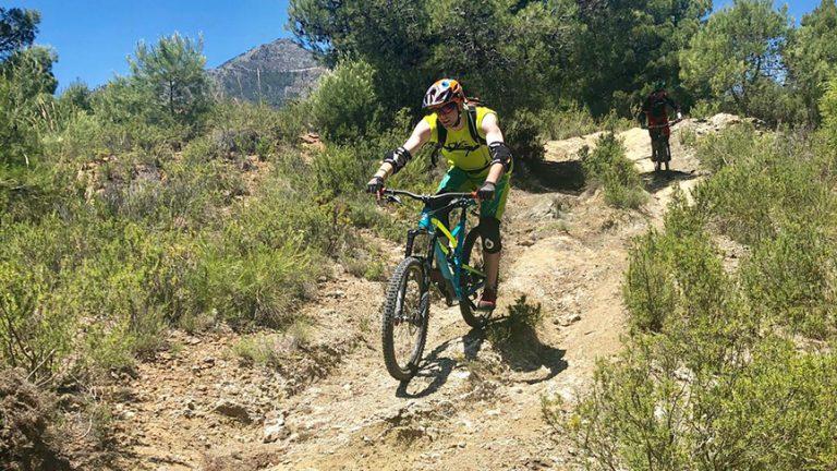 San Antón dry loose rutty trail