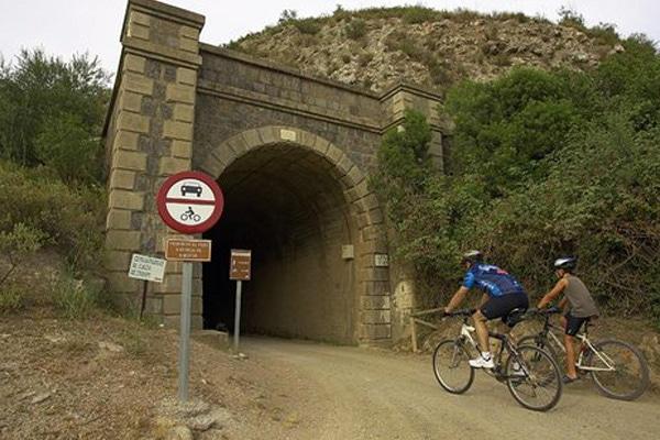 Via Verde de la Campiña riding through tunnels