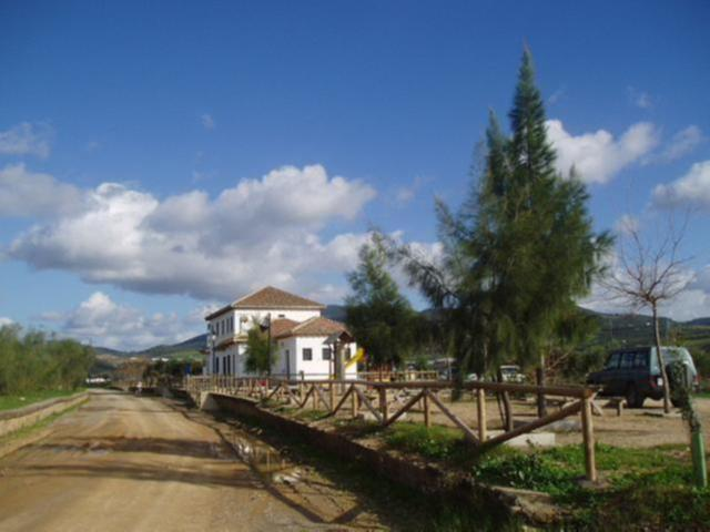Via Verde de la Sierra picnic area next to restaurant