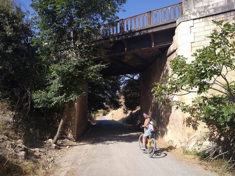 Via Verde del Aceite under bridge