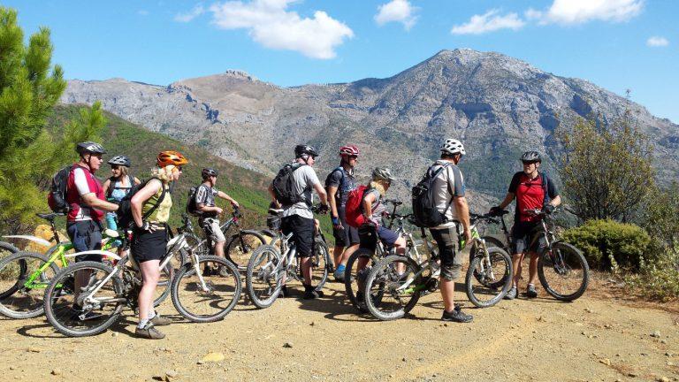 Serranía de Ronda big group with bikes mountain background