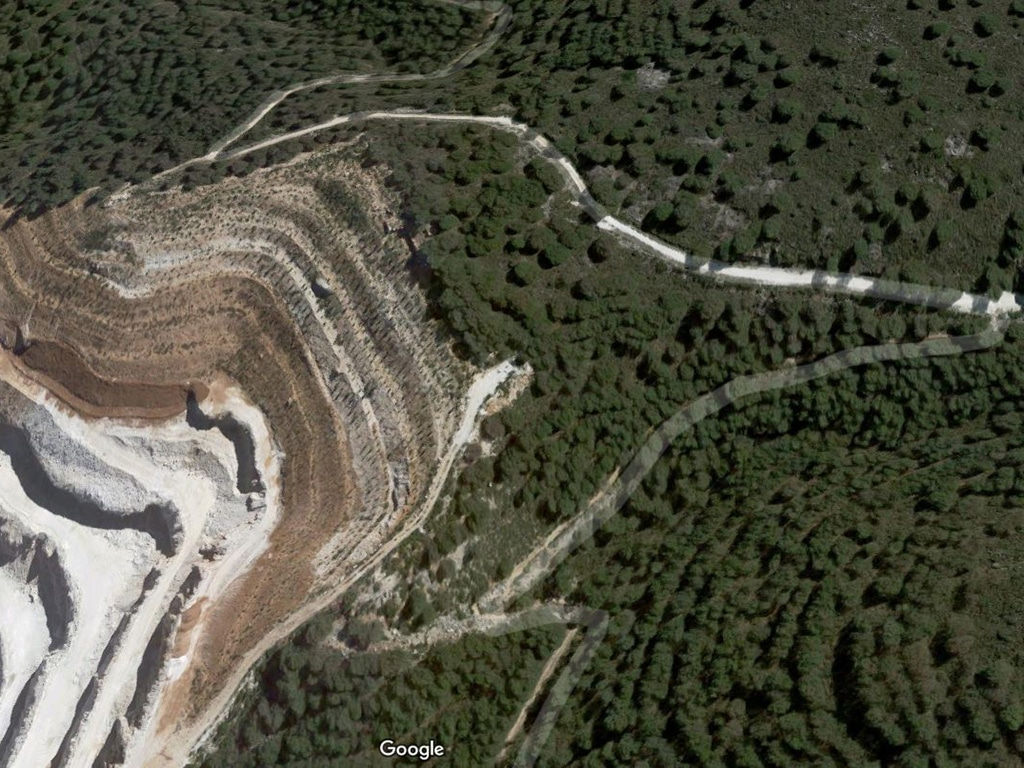 Barranco Blanco birdview of trail and quarry