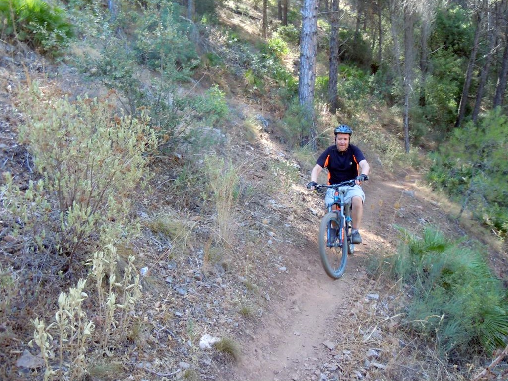 Three Amigos smooth off camber trail