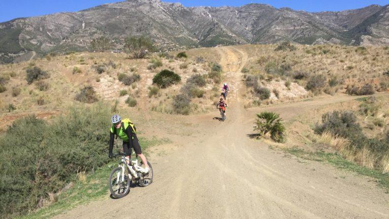 Valtocado steep drop in down to flat crossroad