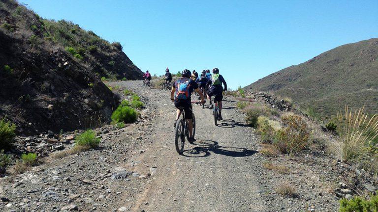 Valtocado short dirt road climb
