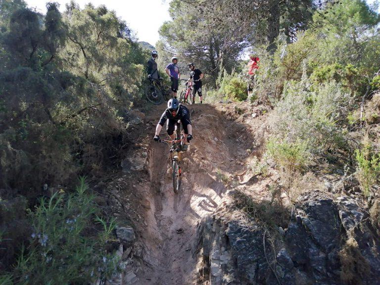 Ojen Enduro steep sandy drop