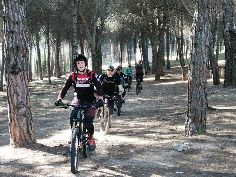 Ojen Enduro big group forest ride to van