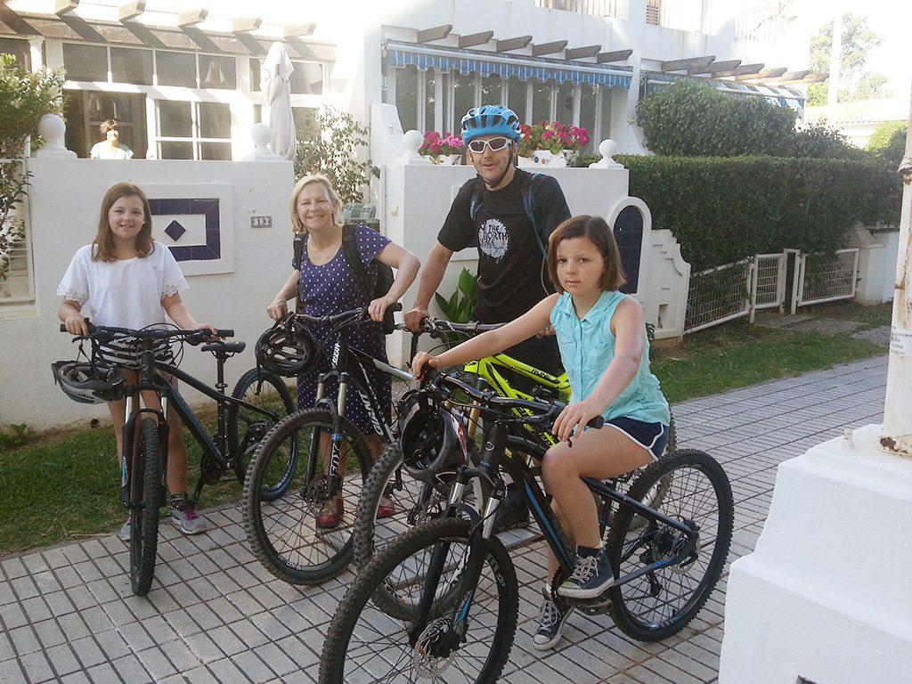Sierra MTB Family in front of Breakfast house