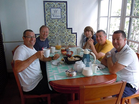 Sierra MTB breakfast indoor area